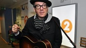2010-10-27 Simon Mayo photo 02.jpg